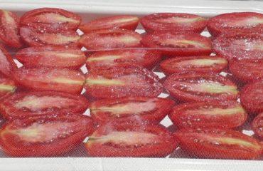 La ricetta Vistanet di oggi: sa pibadra, è tempo di preparare i pomodori secchi