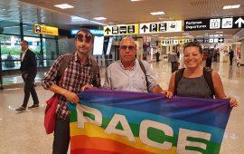 Angelo Cremone e gli attivisti di Sardegna pulita prima di recarsi all'ambasciata dell'Arabia Saudita a Roma