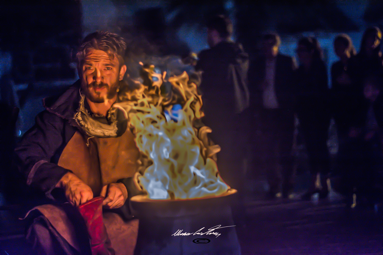 """Andrea Loddo crea un bronzetto nuragico durante l'evento """"Terra Nostra"""" a Cardedu"""" - Foto di Mascia Cristian,©"""