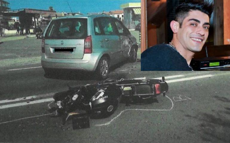 Indagato per omicidio stradale l'automobilista che ha travolto a Pula il dj Christian Urru, morto il 6 agosto scorso