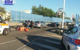 Cagliari, in sella a uno scooter non assicurato e con patente scaduta si schianta su un'Audi