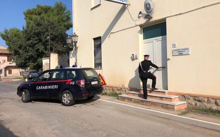 Armato di pistola (giocattolo) e passamontagna tenta di rapinare un'agenzia di scommesse a Carbonia