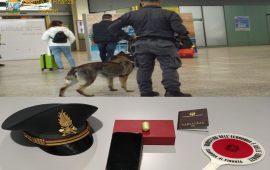 Fermato all'aeroporto di Cagliari con un ovulo di cocaina in pancia: nei guai un uomo di 39 anni