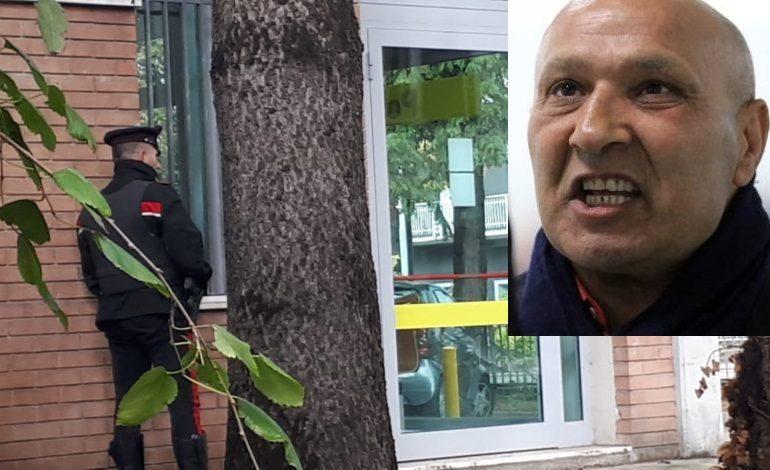 Reggio Emilia, si è arreso il condannato che aveva sequestrato cinque persone dentro l'Ufficio Postale
