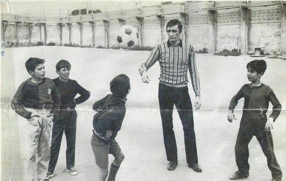 Buon compleanno, Campione: 7 novembre, Gigi Riva, la leggenda rossoblù, compie 75 anni