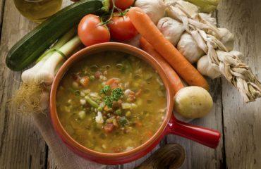 La ricetta Vistanet di oggi: minestrone di verdure fresche, piatto saporito e per tutte le stagioni