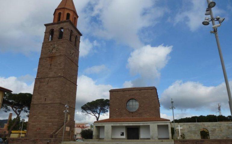 Carbonia, cade la lancetta dell'orologio del campanile: tragedia sfiorata