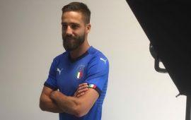 Foto di rito per la Nazionale in vista del Portogallo: l'Italia sceglie Pavoletti per l'immagine Twitter
