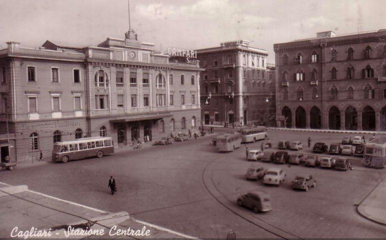 La Cagliari che non c'è più: piazza Matteotti in bianco e nero in una foto del 1960