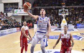 Dinamo Sassari, sconfitta a testa alta contro i campioni di Milano
