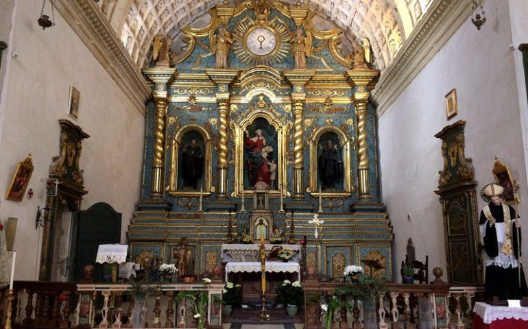 Oggi è Sant'Agostino, a Cagliari il miracolo della trave di ginepro e le vesti custodite nel tesoro della Cattedrale