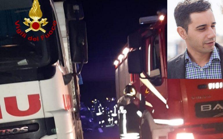 (VIDEO) Terribile incidente sulla 130: automobilista finisce sotto un tir e muore sul colpo