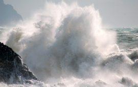 Meteo, burrasca in arrivo in Sardegna, temperature in calo e mari mossi