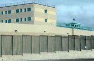 """Grida """"Allah Akbar"""" e incita alla violenza gli altri detenuti: momenti di tensione nel carcere di Sassari"""