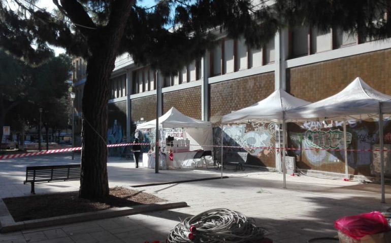 Cagliari, le casette di Natale sono state montate anche in piazza Giovanni XXIII