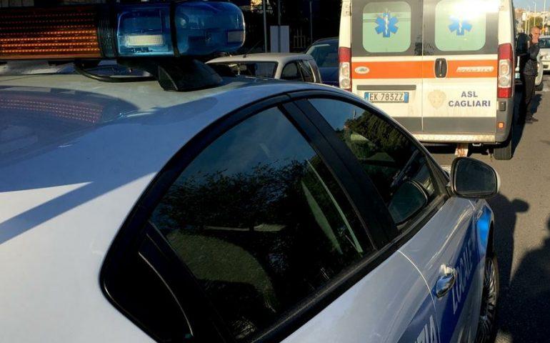 Cagliari, brutto incidente al Cep: madre e figlia investite sulle strisce. Sono in codice rosso al Brotzu