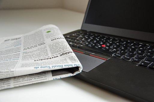 Distribuivano illegalmente copie digitali di quotidiani tramite messaggi: denunciati