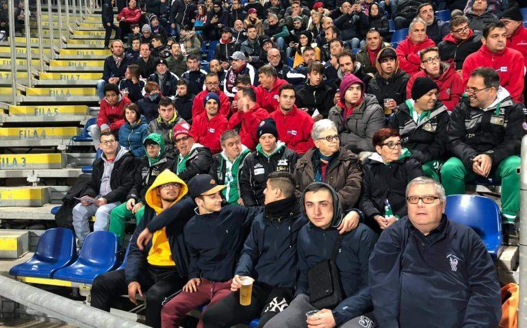 Tutti allo stadio a tifare per il Cagliari: i 50 atleti speciali dopo il quadrangolare si godono la partita