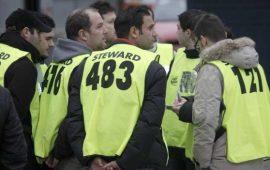 Schiaffi e pugni agli steward della Sardegna Arena: Daspo per due tifosi della Roma