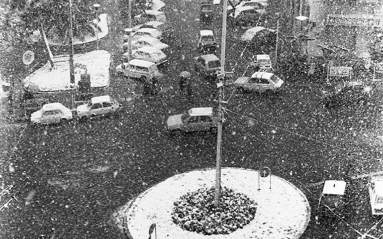 La Cagliari che non c'è più: gennaio 1985, fitta nevicata in piazza Costituzione