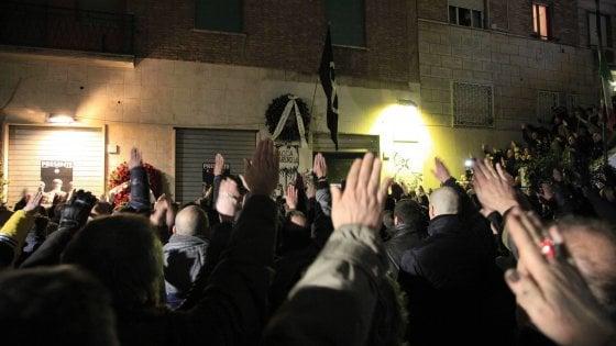 Vergognosa aggressione fascista a Roma contro i giornalisti de L'Espresso