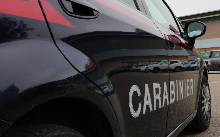 Cagliari: ex ispettore di polizia aggredisce a bastonate un carabiniere