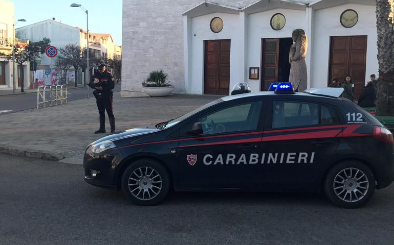 Carbonia: totalmente ubriaco si schianta contro il portone della chiesa di Santa Maria Goretti