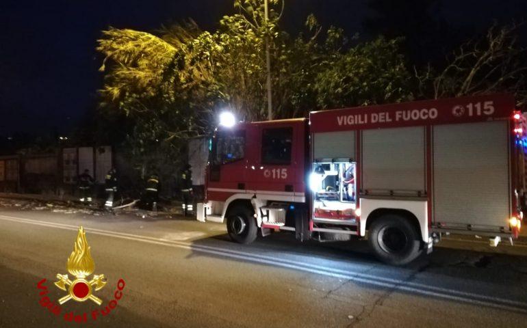 Cagliari, via Emilia, crolla un contro soffitto: evacuata nella notte una famiglia
