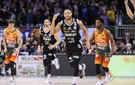 Dinamo, la nuova rimonta non basta: Brindisi vince 87-86 e va in finale