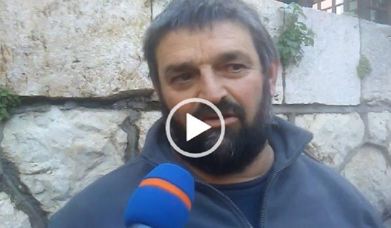 """(VIDEO) Cagliari, i pastori sardi attendono Conte: """"Presidente o soluzione o non votiamo"""""""
