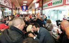 Salvini al mercato di San Benedetto di Cagliari (1)