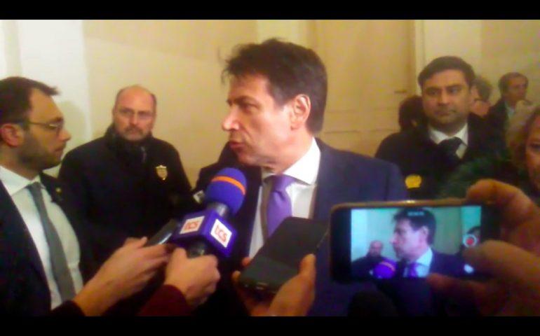Il premier Conte è in Prefettura a Cagliari, incontrerà una delegazione di sindaci (VIDEO)