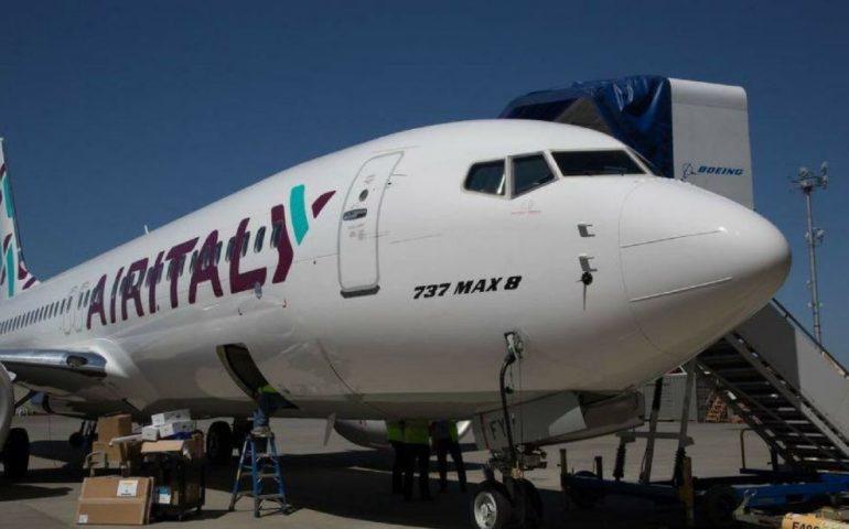Sit in dei lavoratori Air Italy a Villa Devoto: qui i manager della compagnia e di Alitalia incontreranno Solinas