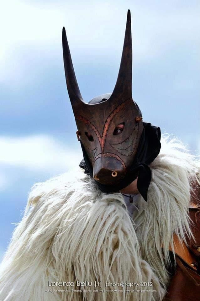 Fabrizio Porcu, il 35enne di Ottana che fabbrica da sé le maschere tradizionali del Carnevale (1)