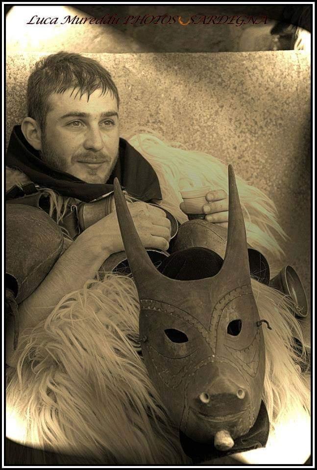 Fabrizio Porcu, il 35enne di Ottana che fabbrica da sé le maschere tradizionali del Carnevale (2)