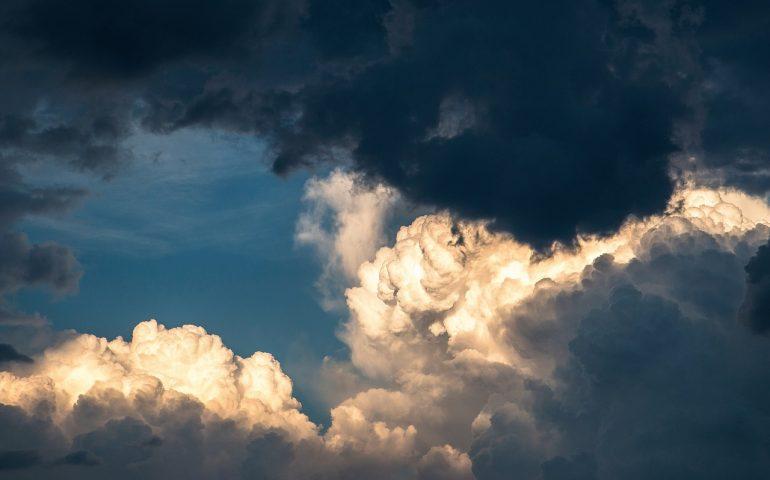 Meteo: da domani il tempo cambia. Addio sole e benvenuta instabilità