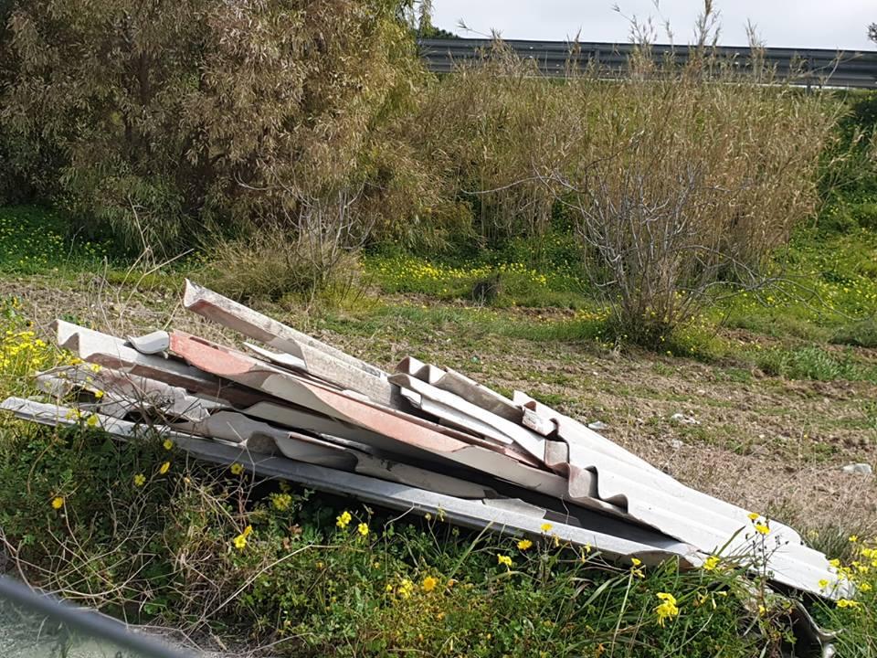 Rifiuti abbandonati nelle campagne di Selargius (2)