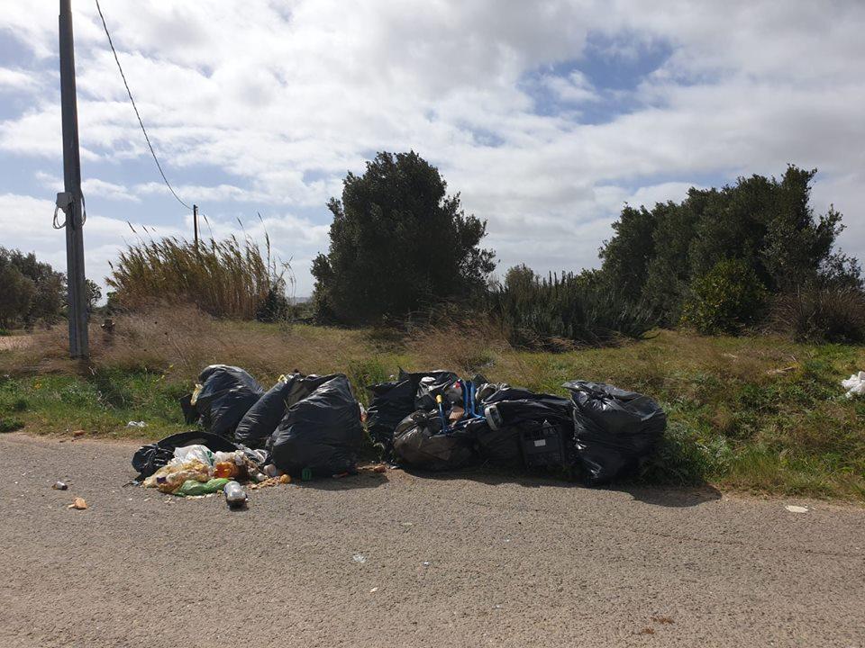 Rifiuti abbandonati nelle campagne di Selargius