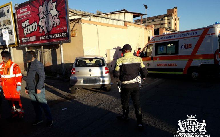 Brutto incidente in viale Elmas a Cagliari: 7 feriti, ci sono anche dei bambini