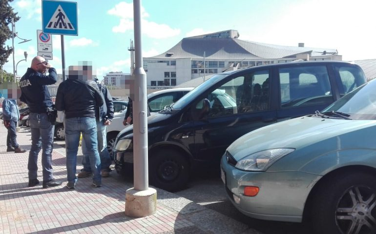 Cagliari, operaio del Lirico trova un ladro nella sua auto: lui scappa ma viene acciuffato