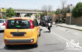 Cagliari, auto contro scooter in via Castiglione: grave un 57enne
