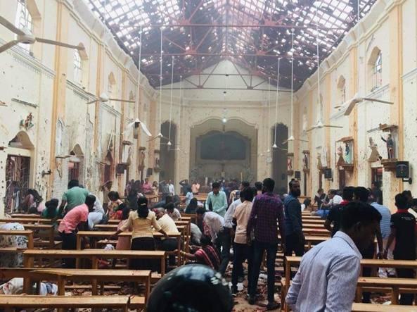 Pasqua tragica nello Sri Lanka: sei esplosioni, 185 morti, 500 feriti