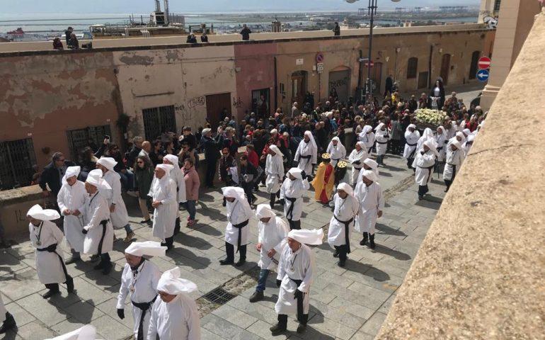 Venerdì Santo a Cagliari: le foto della processione nei quartieri storici