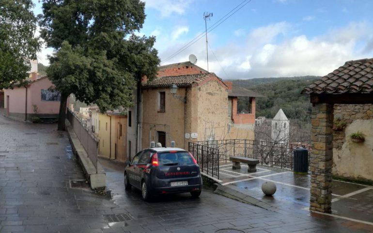 Sadali, minaccia un carabiniere che tenta di sedare una lite: denunciato un 55enne