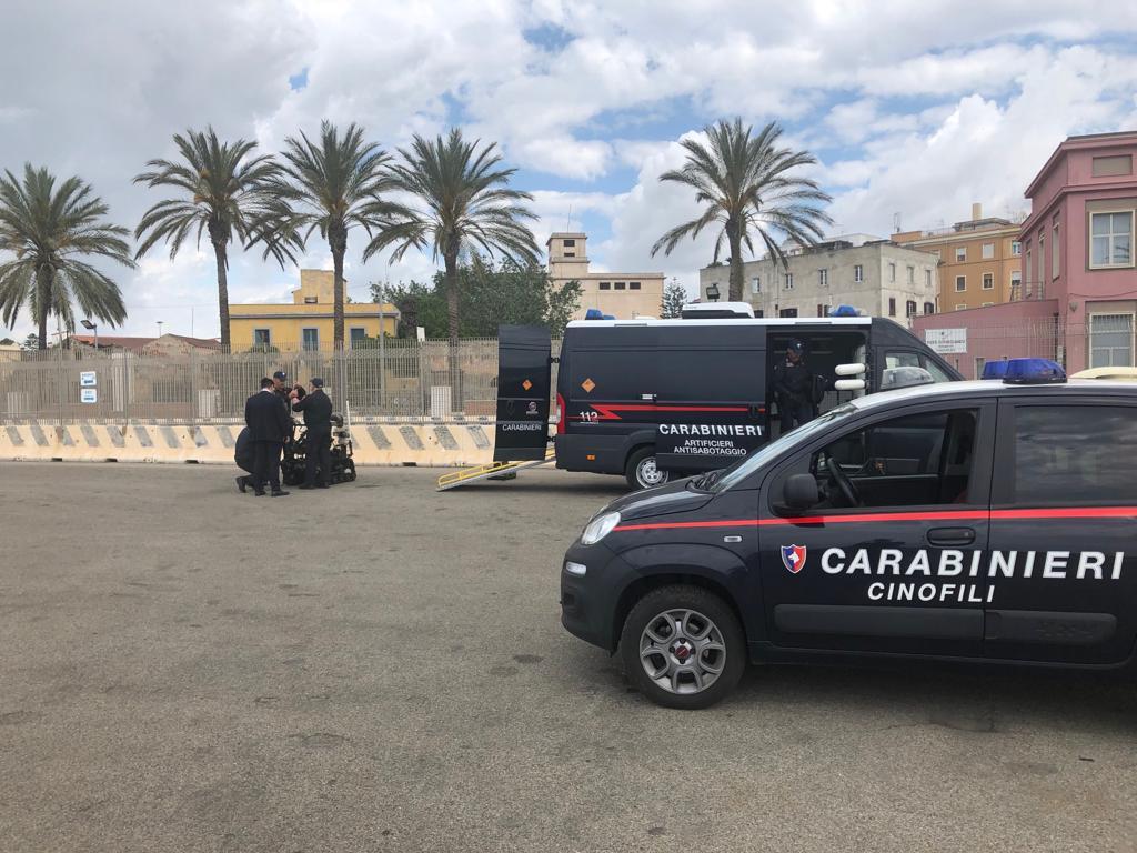 Artificieri impegnati al porto di Cagliari per un'esercitazione di antiterrorismo (4)