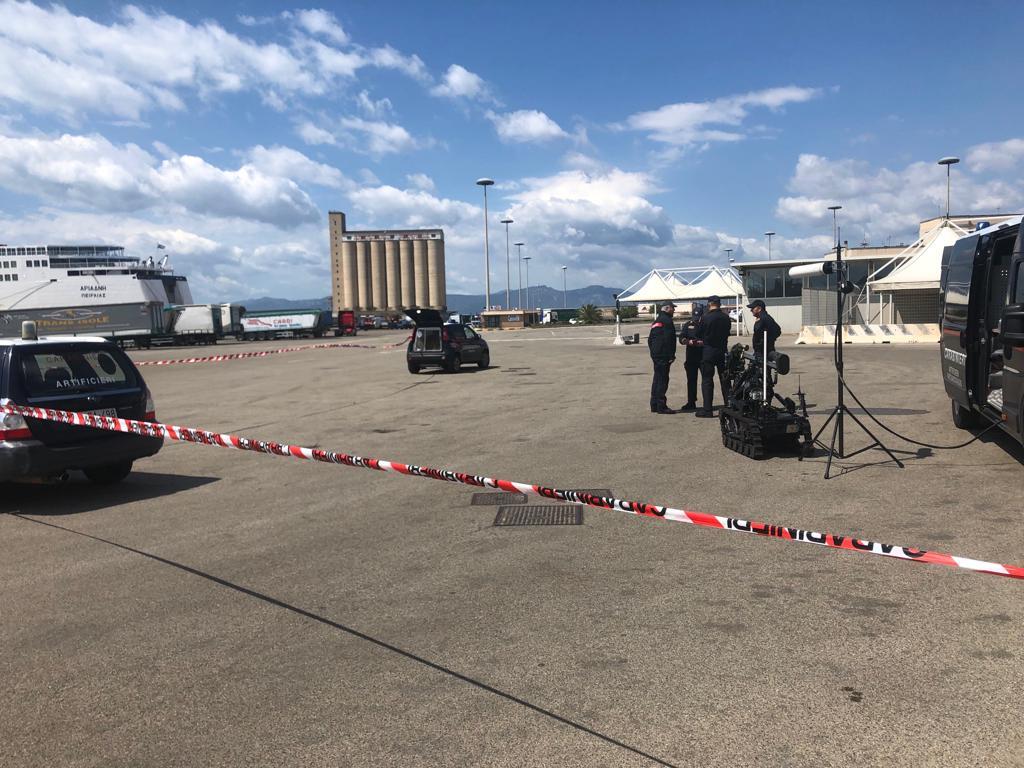 Artificieri impegnati al porto di Cagliari per un'esercitazione di antiterrorismo (7)