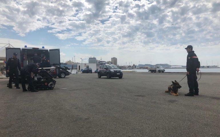 (FOTO) Artificieri impegnati al porto di Cagliari per un'esercitazione di antiterrorismo
