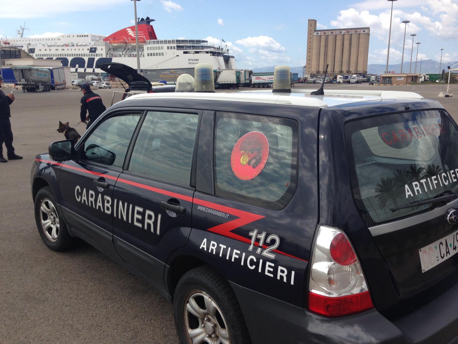 Artificieri impegnati al porto di Cagliari per un'esercitazione di antiterrorismo (9)