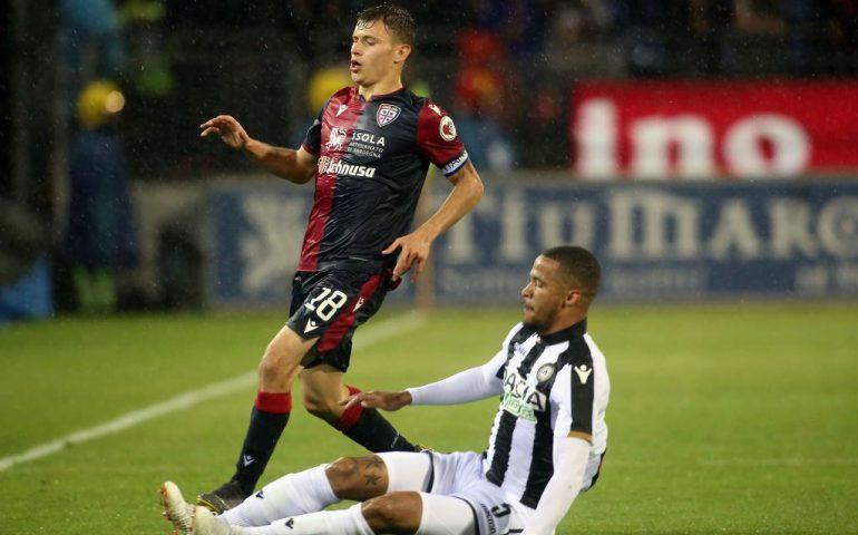 Il Cagliari chiude il campionato con una sconfitta: l'Udinese passa per 2-1