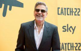 George Clooney alla presentazione di Catch 22 - Foto Sky